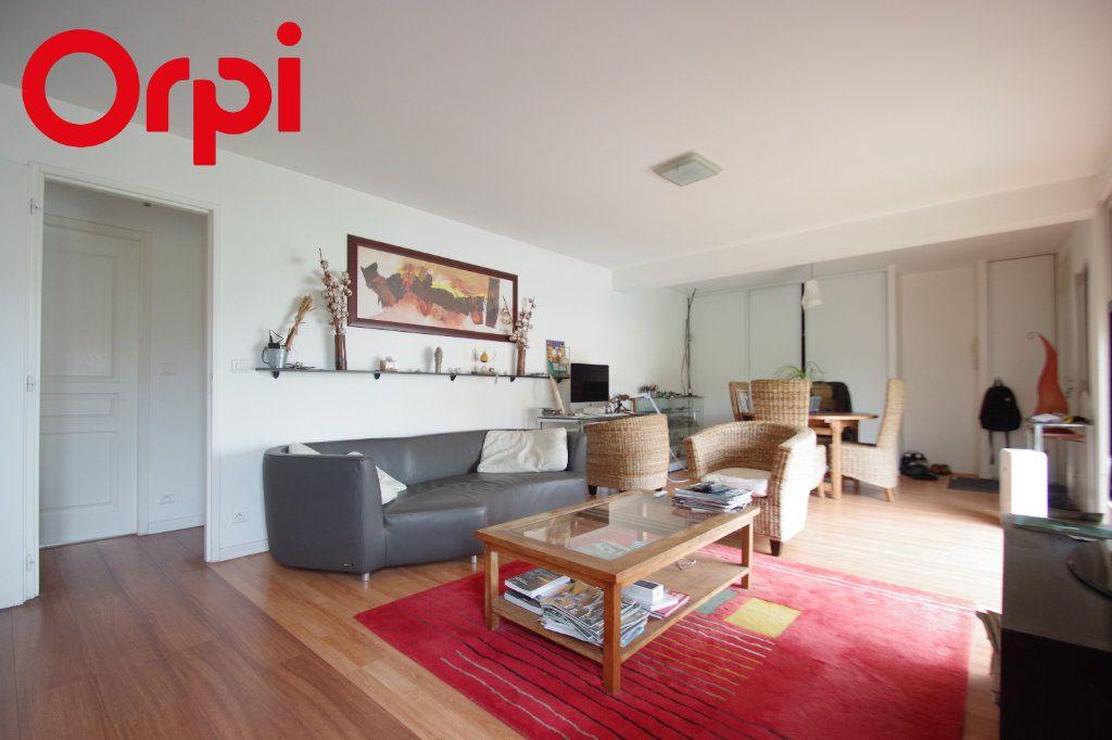 Appartement à vendre 2 52m2 à La Rochelle vignette-1
