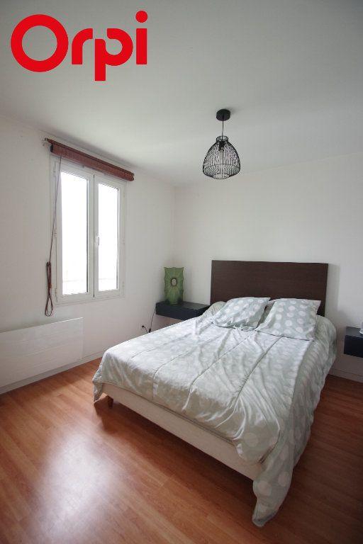 Appartement à vendre 2 52m2 à La Rochelle vignette-5