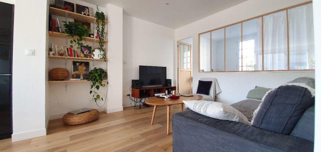 Appartement à vendre 3 53.7m2 à La Rochelle vignette-2