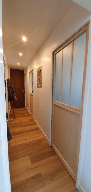 Appartement à vendre 3 53.7m2 à La Rochelle vignette-3