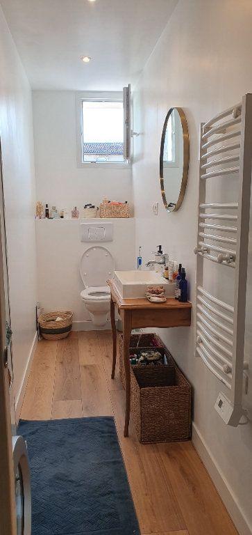 Appartement à vendre 3 53.7m2 à La Rochelle vignette-5