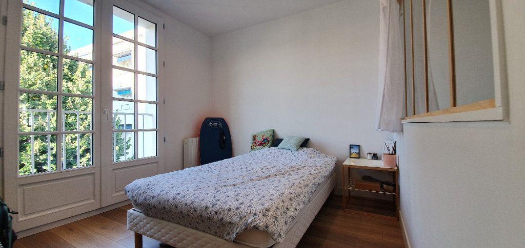 Appartement à vendre 3 53.7m2 à La Rochelle vignette-8