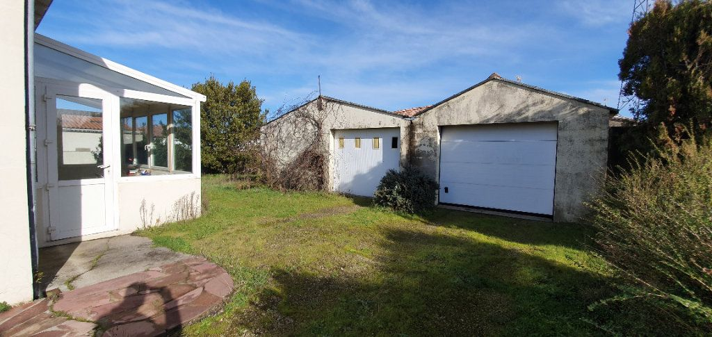 Maison à vendre 4 95m2 à Lagord vignette-2