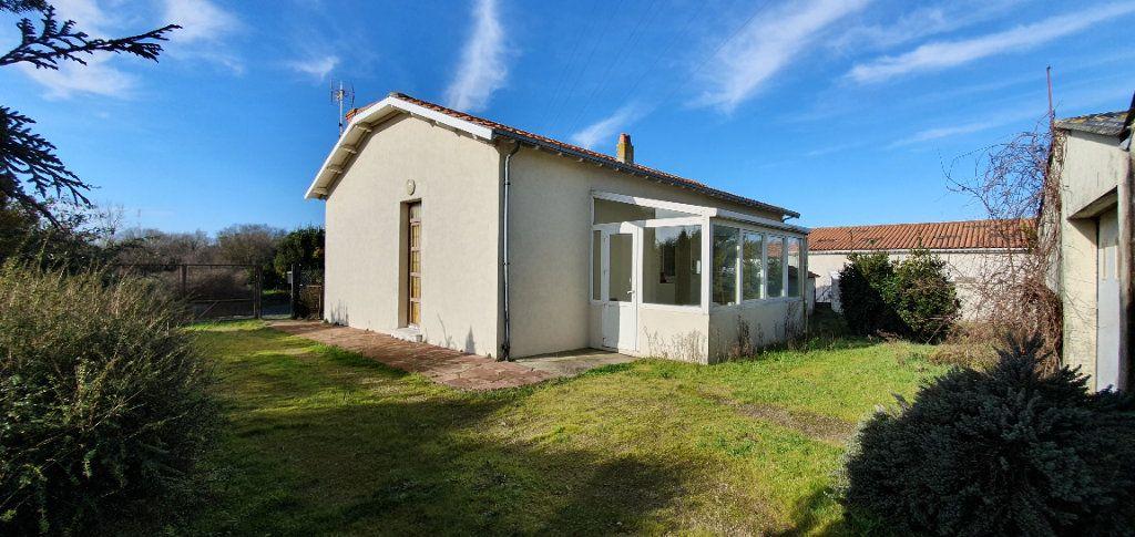 Maison à vendre 4 95m2 à Lagord vignette-3