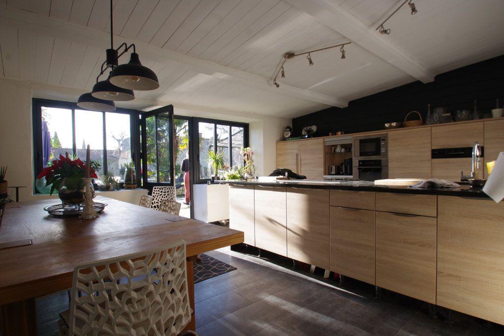 Maison à vendre 8 260m2 à La Rochelle vignette-2