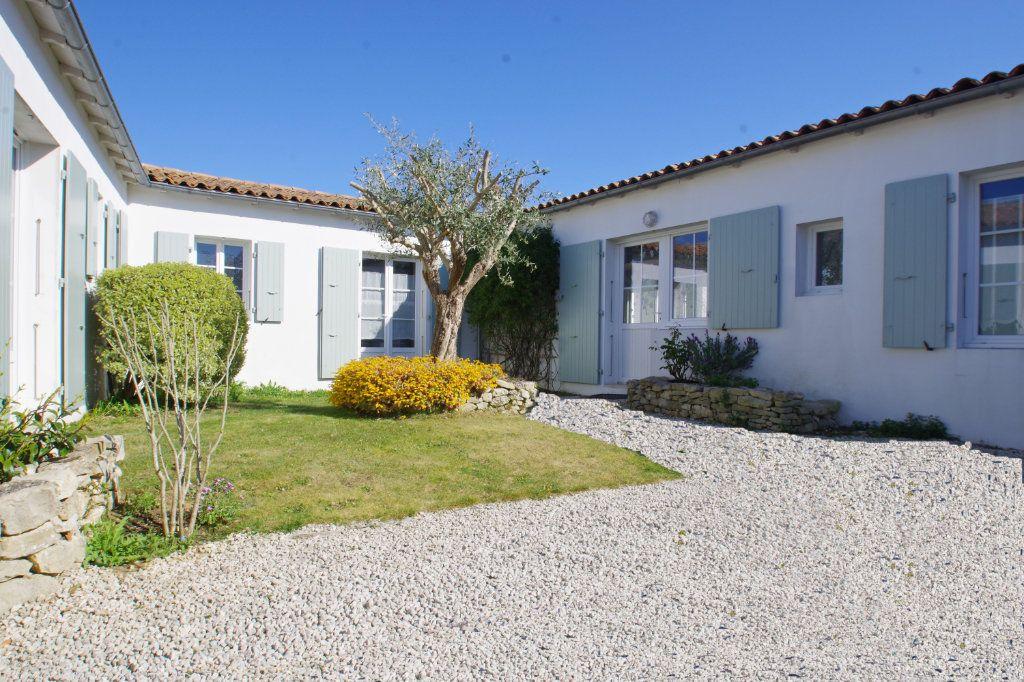 Maison à vendre 6 150m2 à Sainte-Marie-de-Ré vignette-1