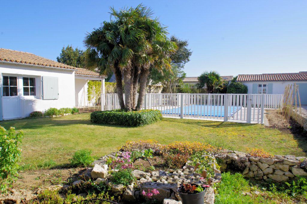 Maison à vendre 6 150m2 à Sainte-Marie-de-Ré vignette-2