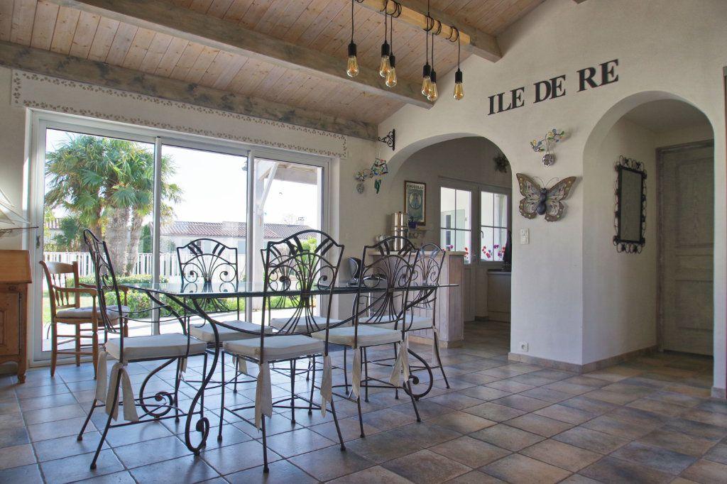 Maison à vendre 6 150m2 à Sainte-Marie-de-Ré vignette-5