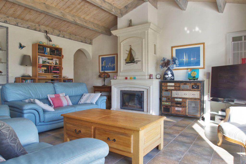 Maison à vendre 6 150m2 à Sainte-Marie-de-Ré vignette-6