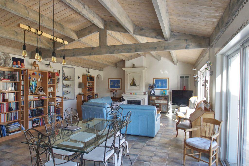 Maison à vendre 6 150m2 à Sainte-Marie-de-Ré vignette-7