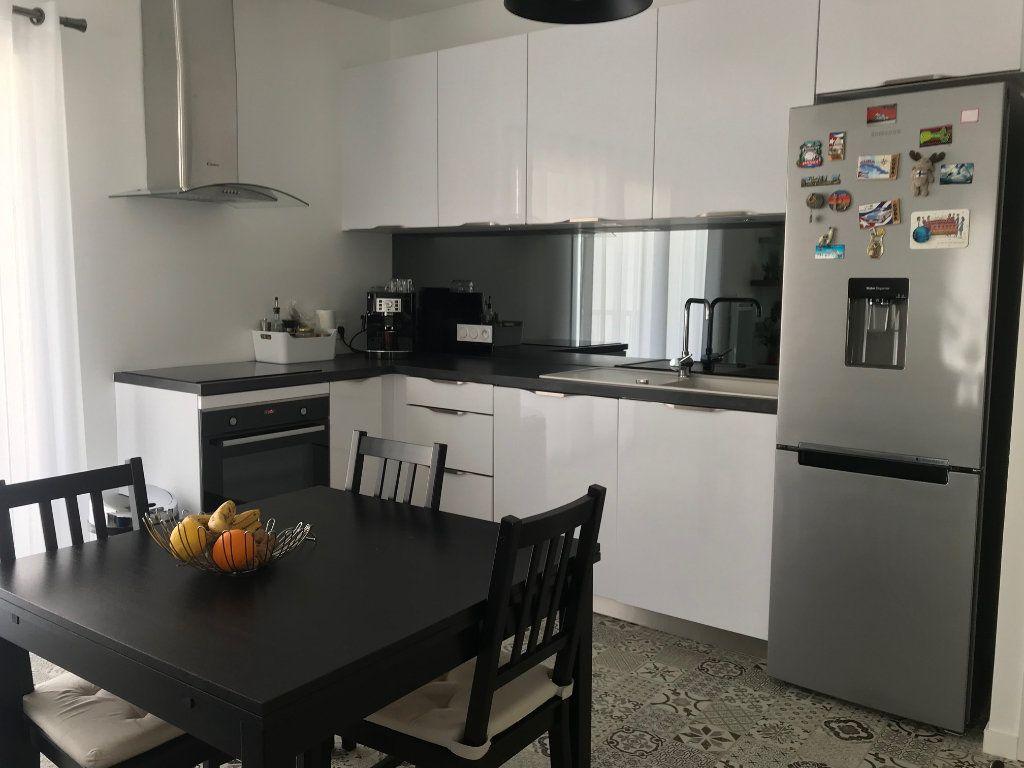 Appartement à vendre 2 50.3m2 à La Rochelle vignette-8