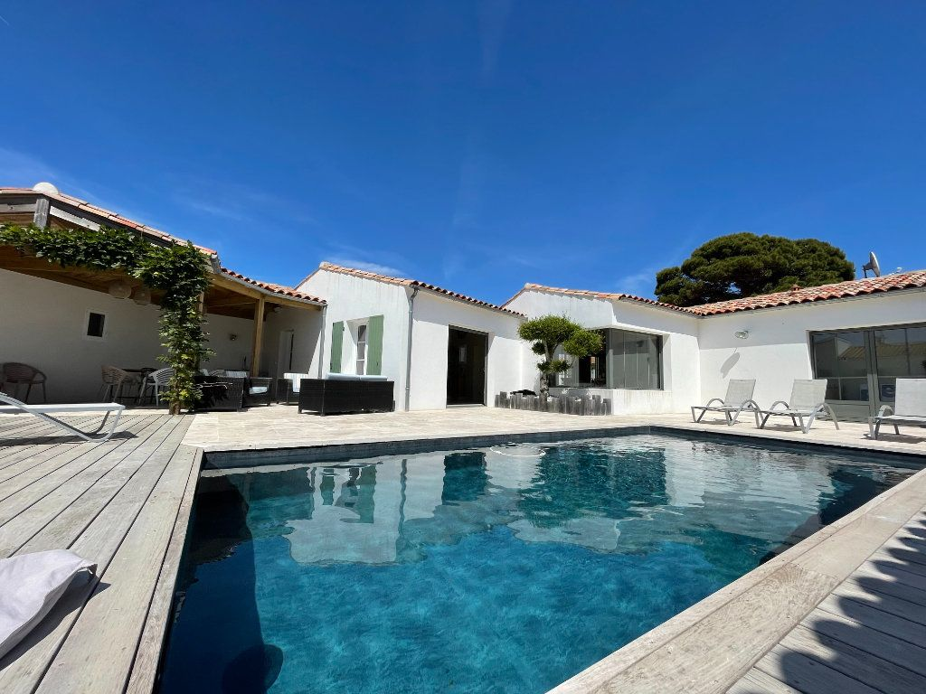 Maison à vendre 6 220m2 à Sainte-Marie-de-Ré vignette-1