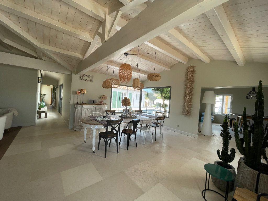 Maison à vendre 6 220m2 à Sainte-Marie-de-Ré vignette-4