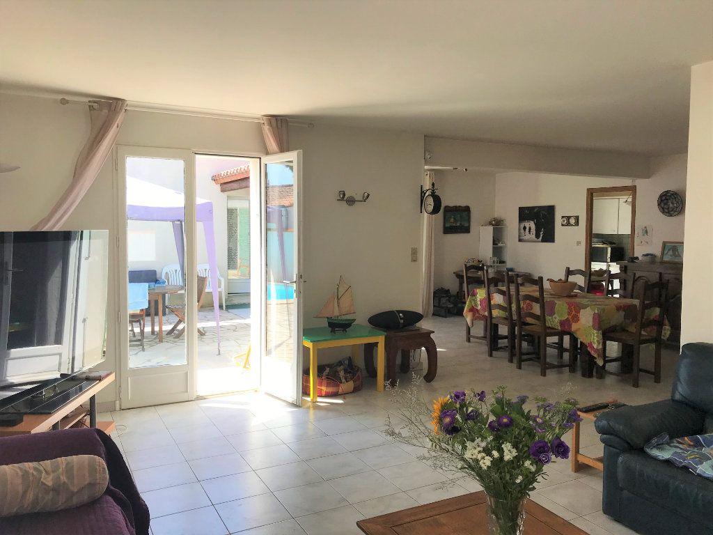 Maison à vendre 5 116m2 à Le Bois-Plage-en-Ré vignette-3