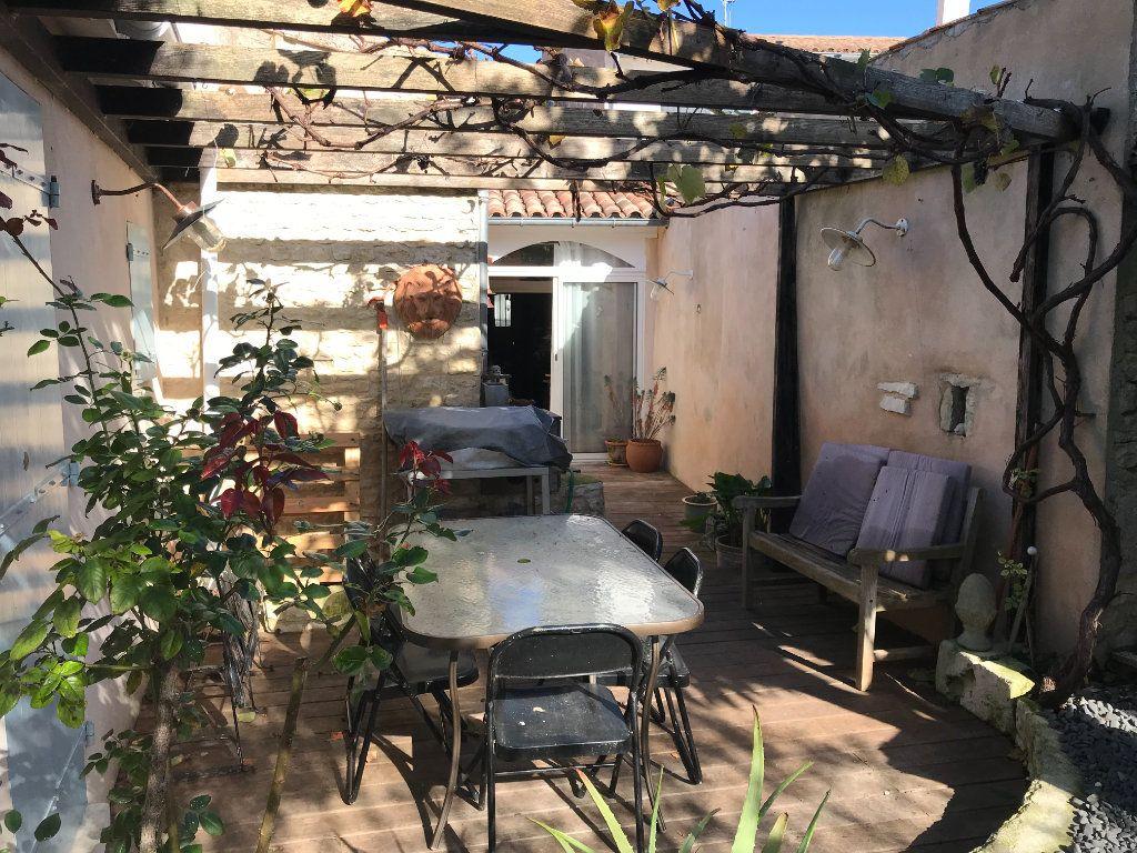 Maison à vendre 7 179m2 à Le Bois-Plage-en-Ré vignette-5