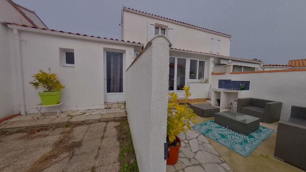 Maison à vendre 3 72m2 à Rivedoux-Plage vignette-2