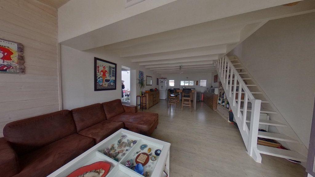Maison à vendre 3 72m2 à Rivedoux-Plage vignette-5