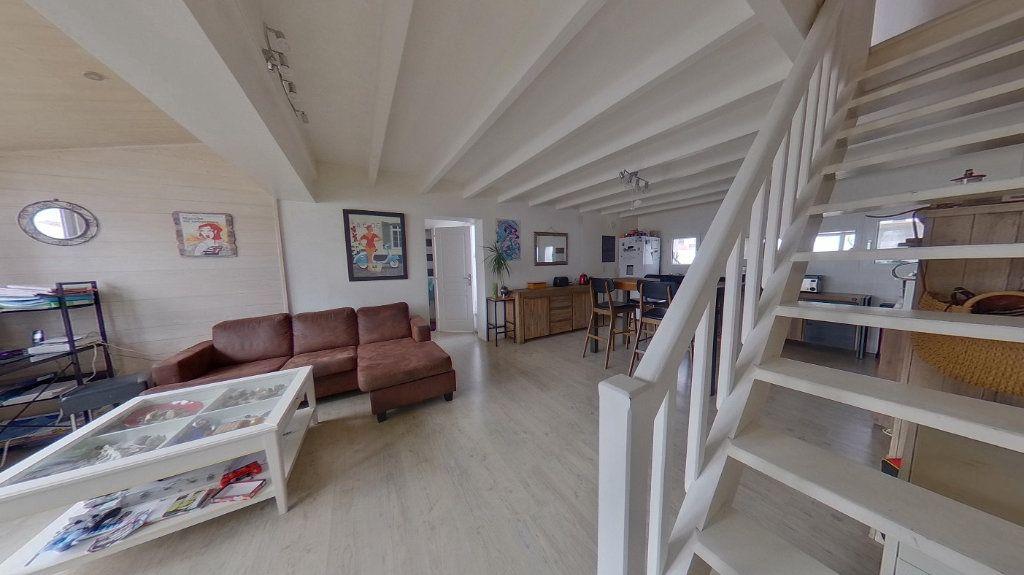 Maison à vendre 3 72m2 à Rivedoux-Plage vignette-6