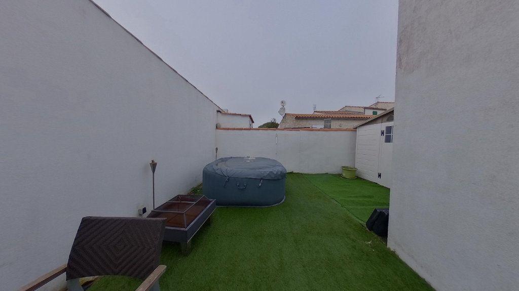 Maison à vendre 3 72m2 à Rivedoux-Plage vignette-10