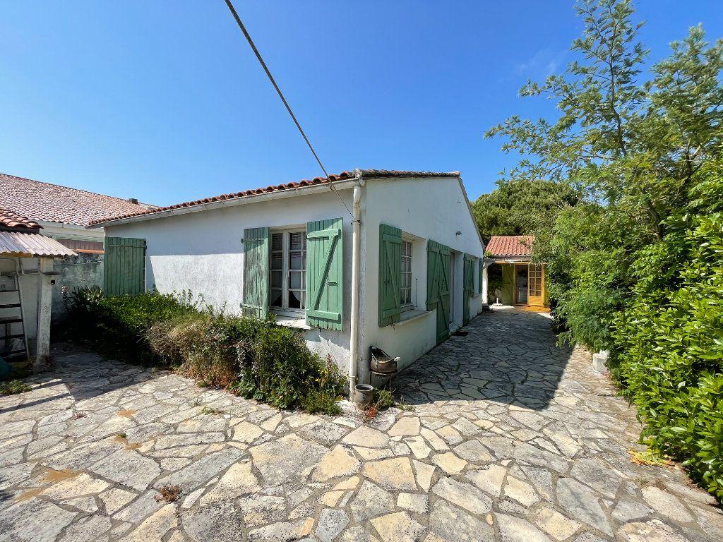 Maison à vendre 4 107m2 à Le Bois-Plage-en-Ré vignette-1