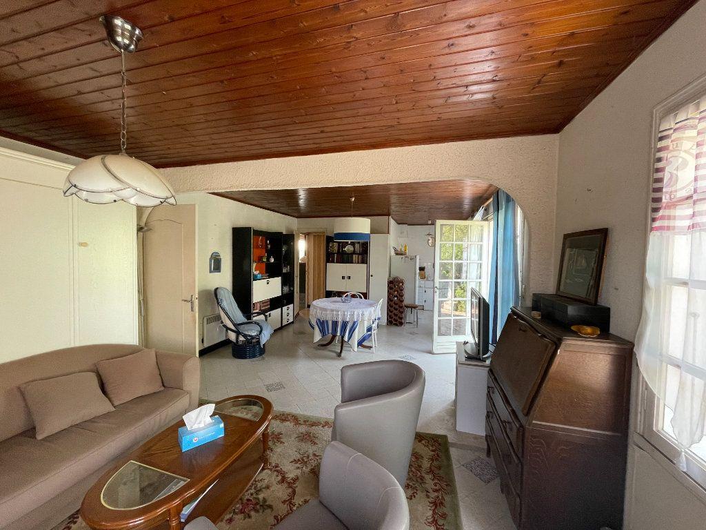 Maison à vendre 4 107m2 à Le Bois-Plage-en-Ré vignette-4