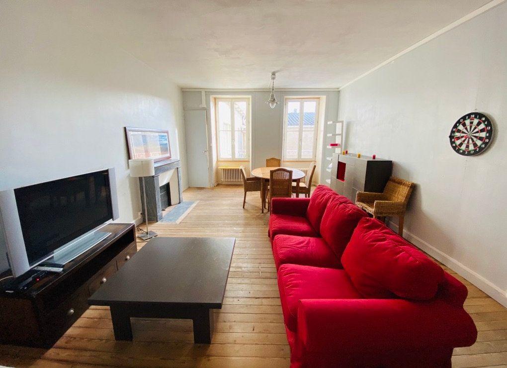 Appartement à vendre 5 92.76m2 à Saint-Martin-de-Ré vignette-1