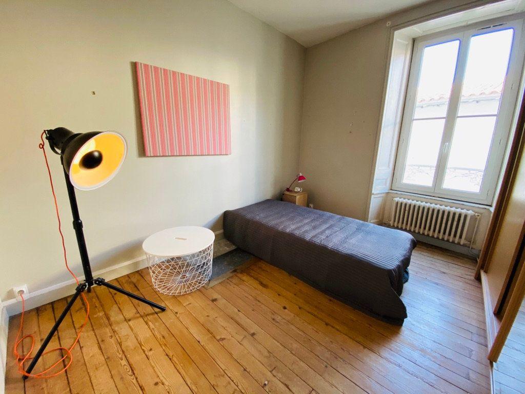 Appartement à vendre 5 92.76m2 à Saint-Martin-de-Ré vignette-4