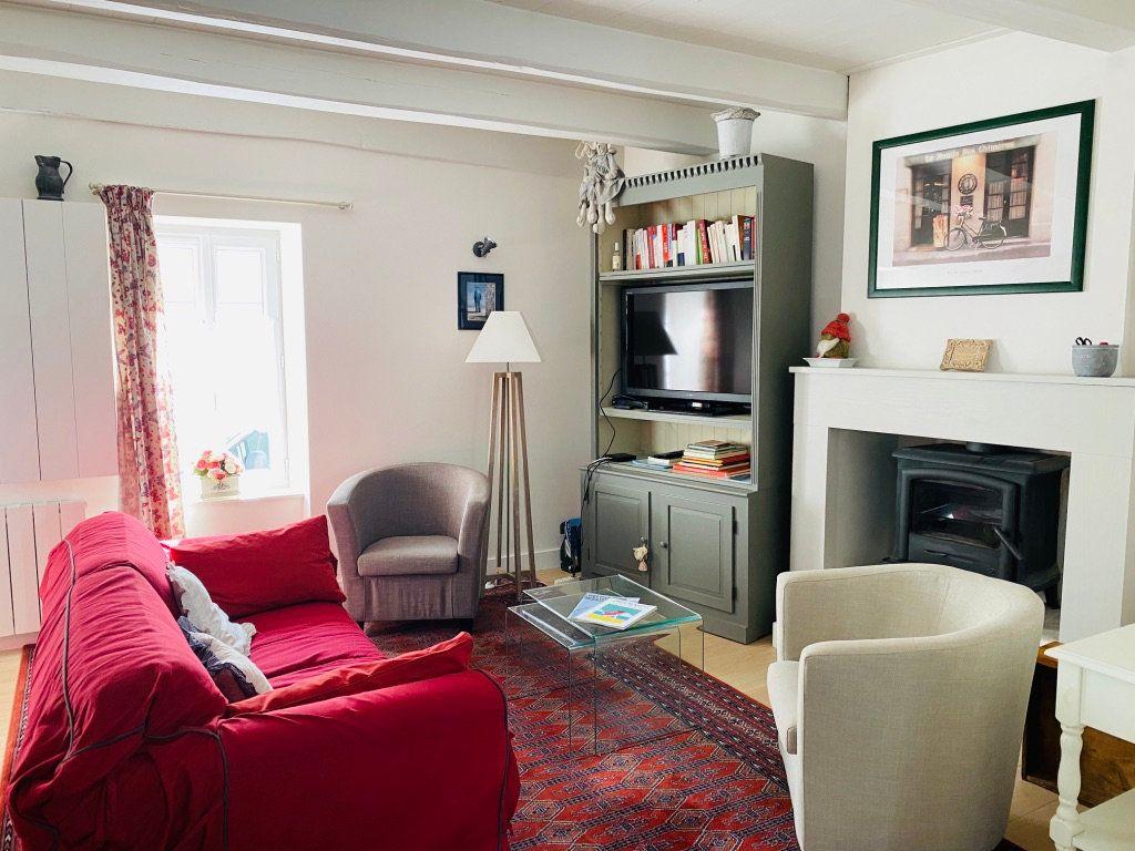 Maison à vendre 4 106m2 à Le Bois-Plage-en-Ré vignette-1