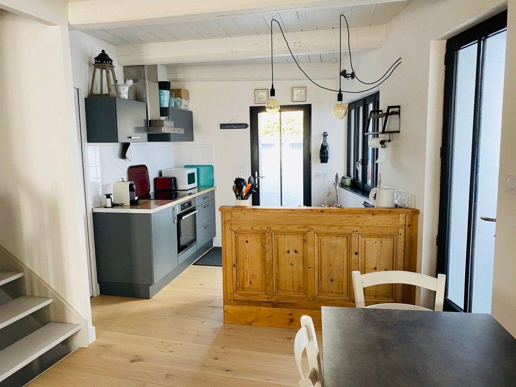 Maison à vendre 4 106m2 à Le Bois-Plage-en-Ré vignette-2