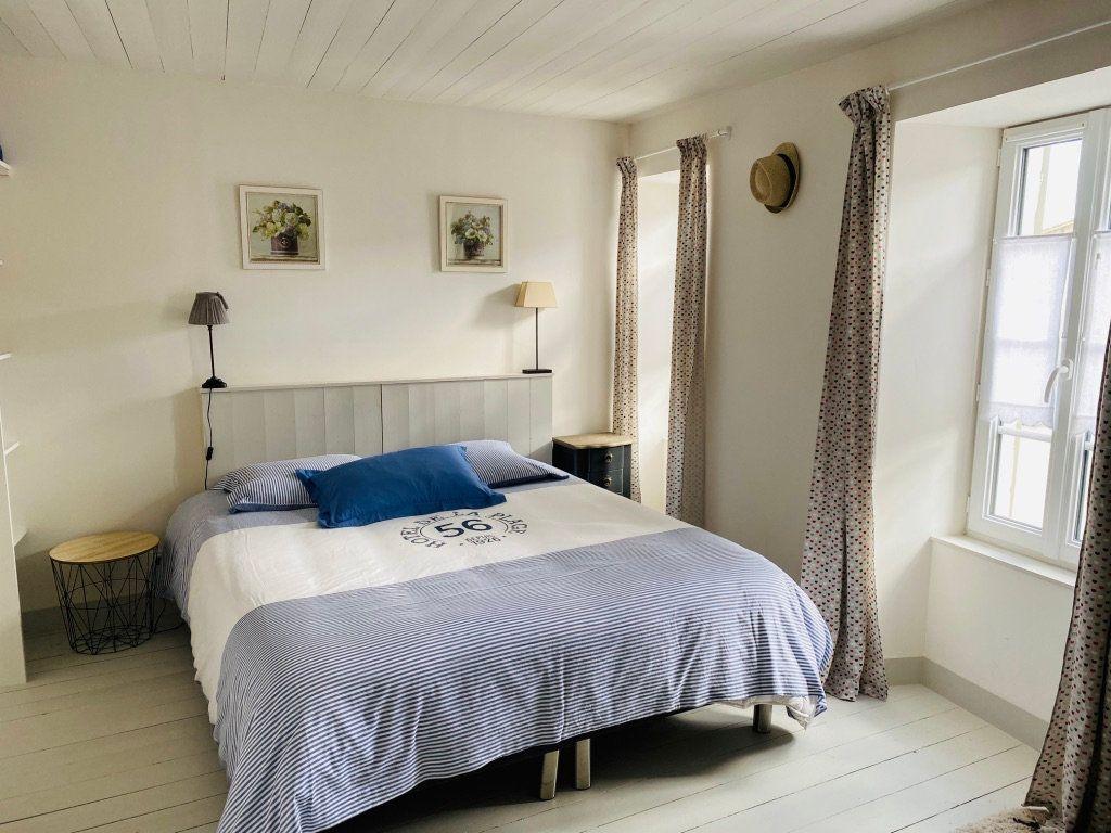 Maison à vendre 4 106m2 à Le Bois-Plage-en-Ré vignette-3