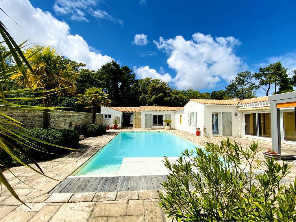 Maison à vendre 8 273m2 à Rivedoux-Plage vignette-1