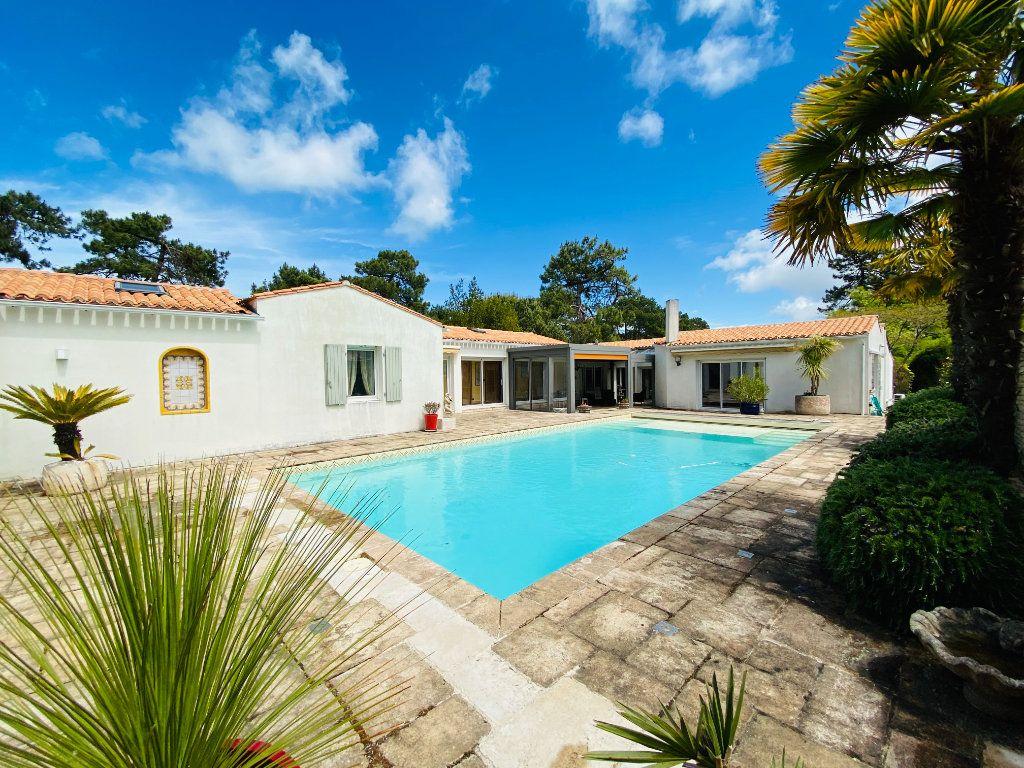 Maison à vendre 8 273m2 à Rivedoux-Plage vignette-2