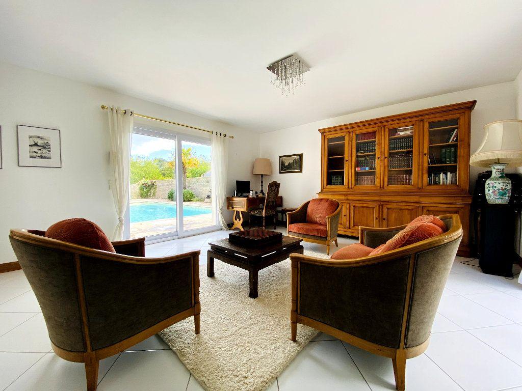 Maison à vendre 8 273m2 à Rivedoux-Plage vignette-5