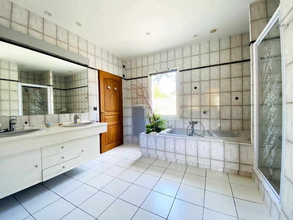 Maison à vendre 8 273m2 à Rivedoux-Plage vignette-8