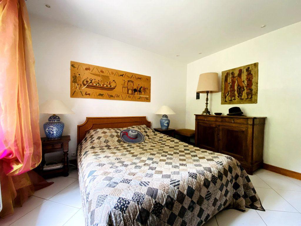 Maison à vendre 8 273m2 à Rivedoux-Plage vignette-9