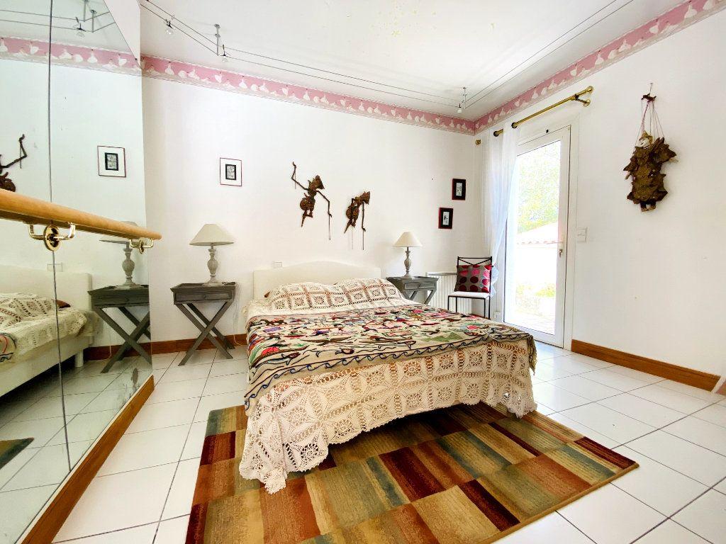 Maison à vendre 8 273m2 à Rivedoux-Plage vignette-11
