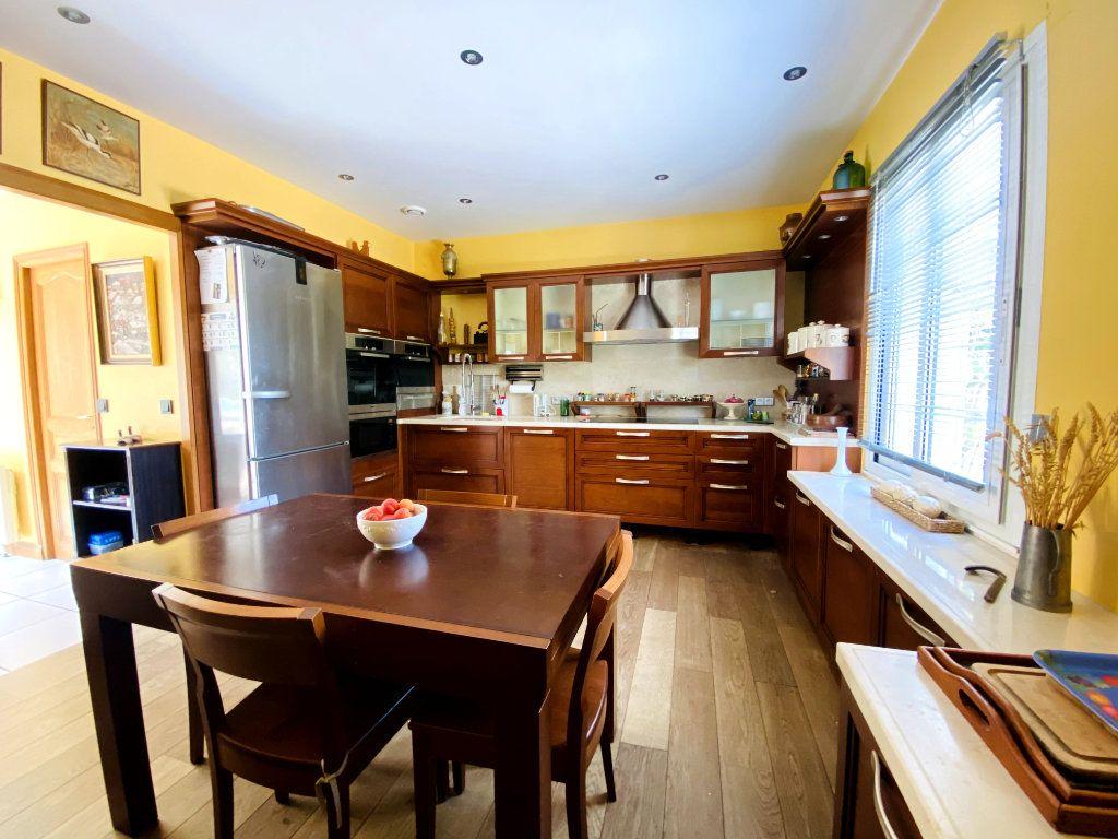 Maison à vendre 8 273m2 à Rivedoux-Plage vignette-12