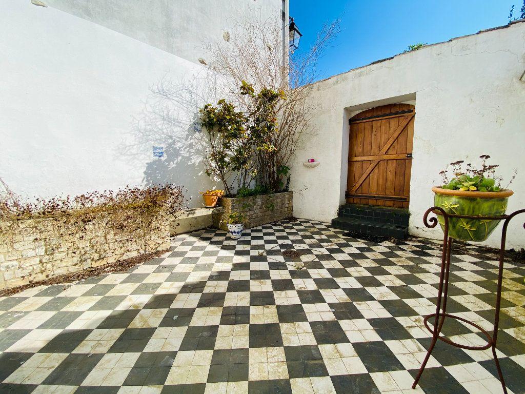 Maison à vendre 5 155m2 à Saint-Martin-de-Ré vignette-2