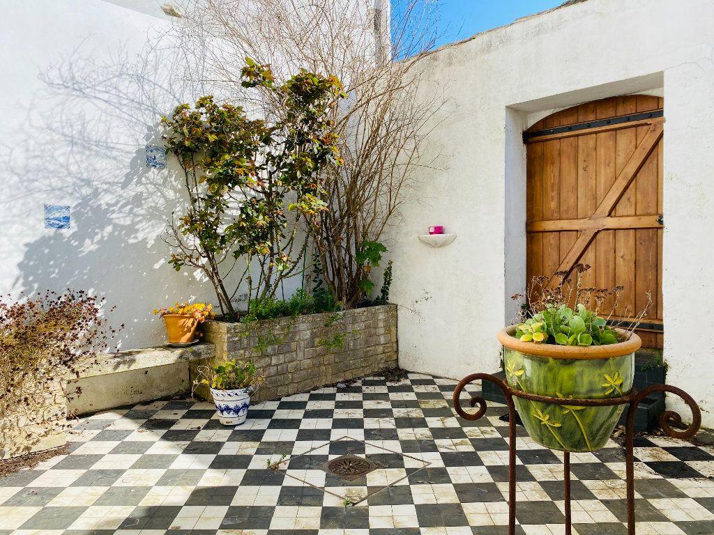 Maison à vendre 5 155m2 à Saint-Martin-de-Ré vignette-9