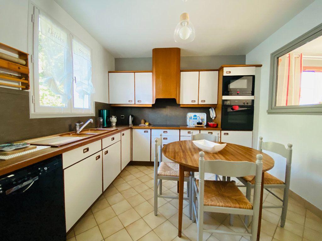 Maison à vendre 5 83.14m2 à Rivedoux-Plage vignette-2
