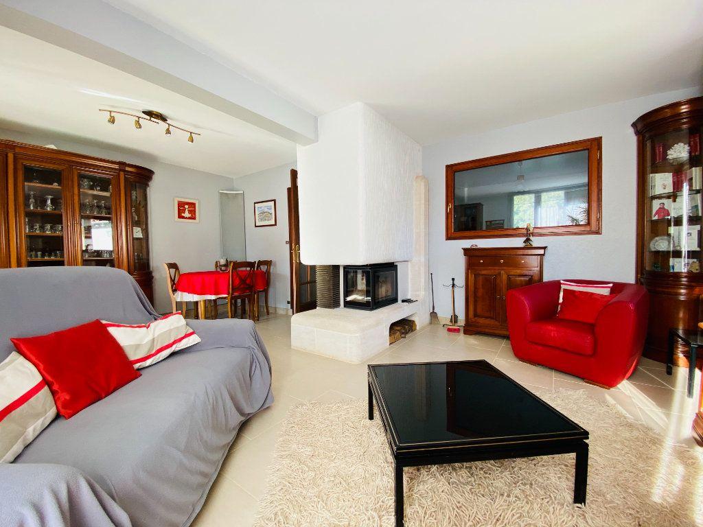 Maison à vendre 5 83.14m2 à Rivedoux-Plage vignette-3
