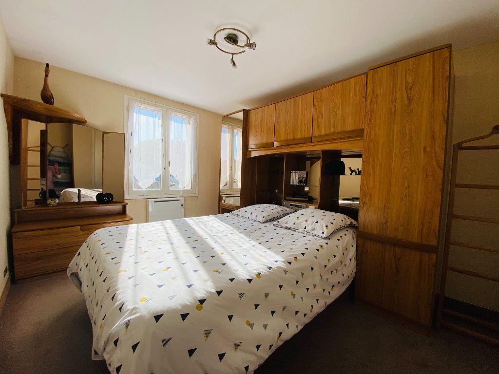 Maison à vendre 5 83.14m2 à Rivedoux-Plage vignette-4