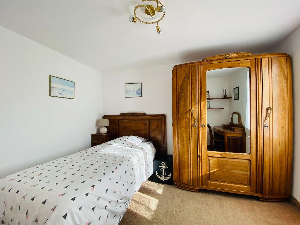 Maison à vendre 5 83.14m2 à Rivedoux-Plage vignette-5