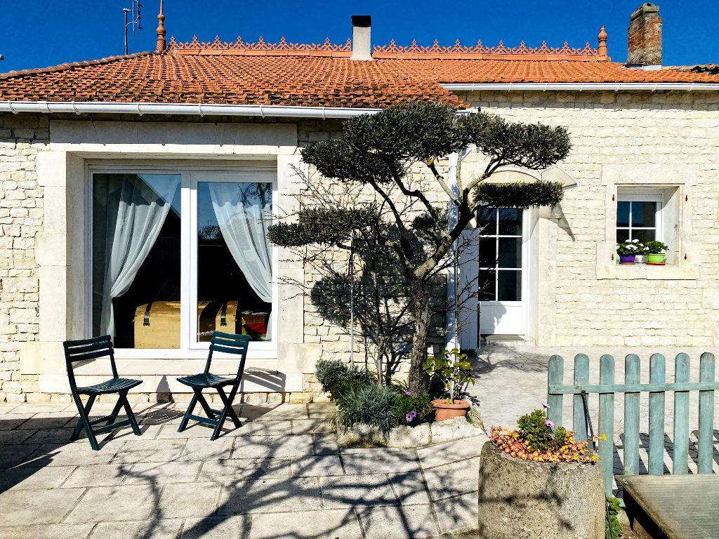 Maison à vendre 3 80m2 à Sainte-Marie-de-Ré vignette-1