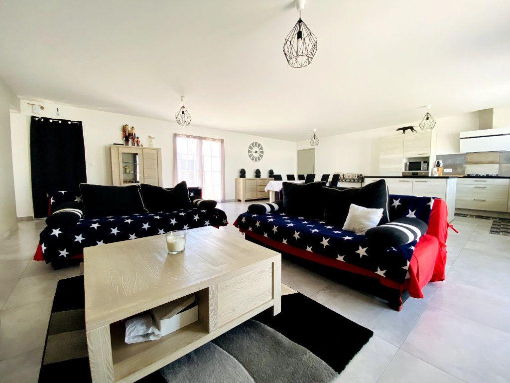 Maison à vendre 7 176m2 à Sainte-Marie-de-Ré vignette-2