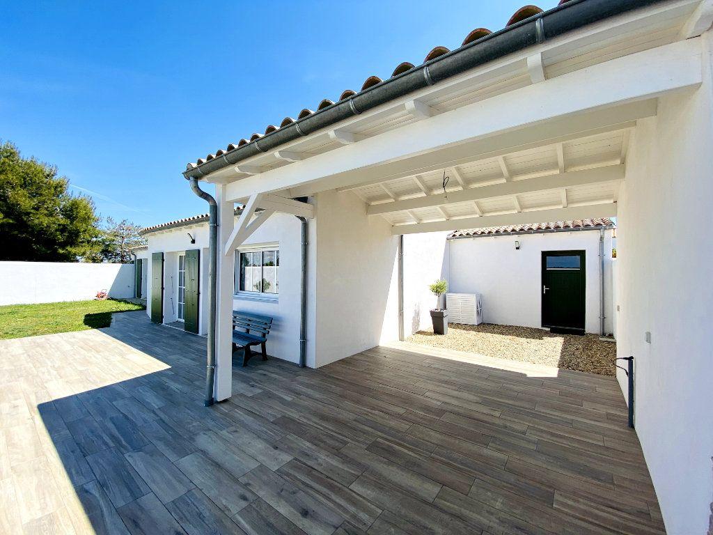 Maison à vendre 7 176m2 à Sainte-Marie-de-Ré vignette-5