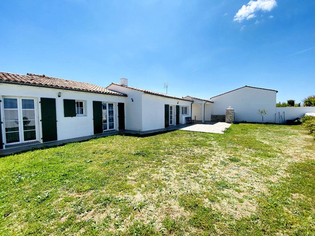 Maison à vendre 7 176m2 à Sainte-Marie-de-Ré vignette-6
