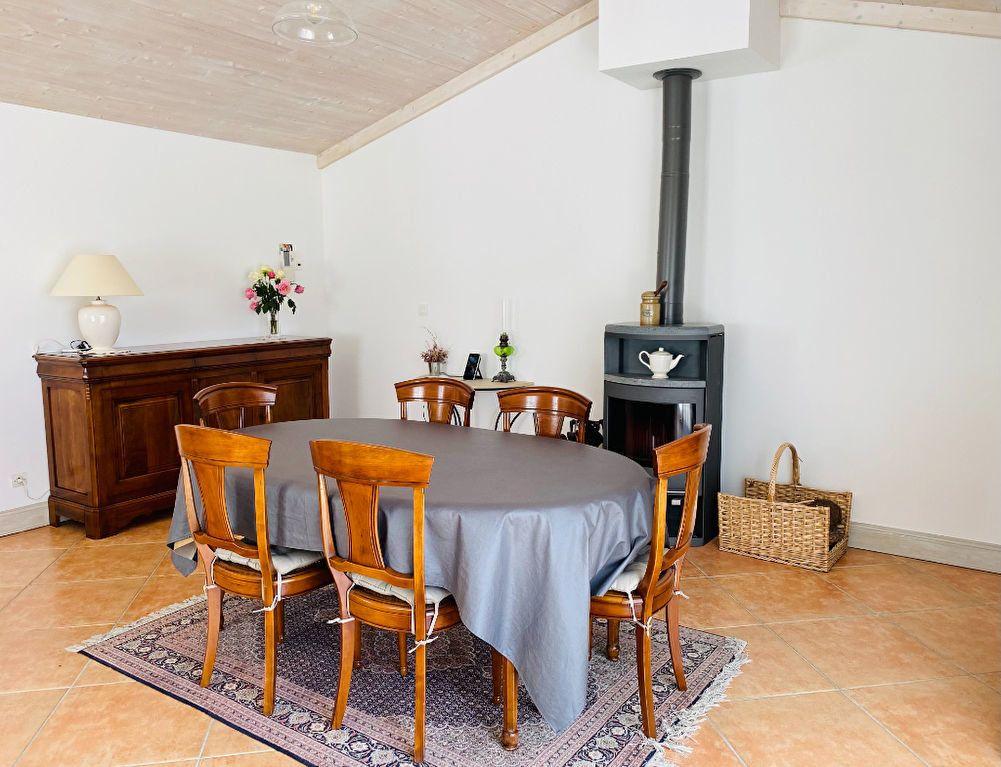 Maison à vendre 6 160m2 à Sainte-Marie-de-Ré vignette-4