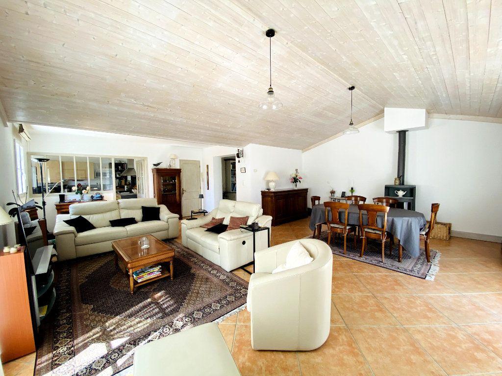 Maison à vendre 6 160m2 à Sainte-Marie-de-Ré vignette-5