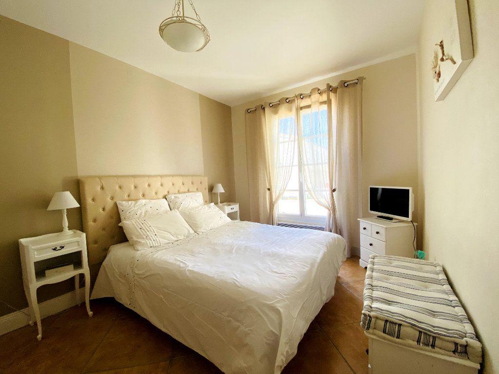 Maison à vendre 6 160m2 à Sainte-Marie-de-Ré vignette-7